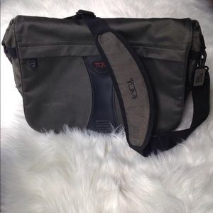 Tumi Alpha Messenger Business Shoulder Bag